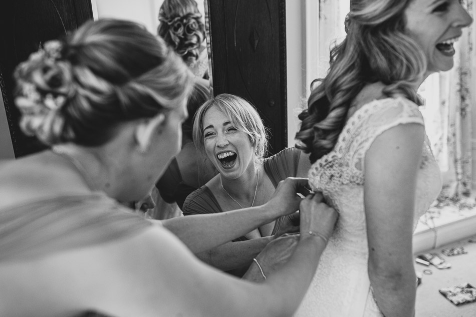 Bridemaids getting ready