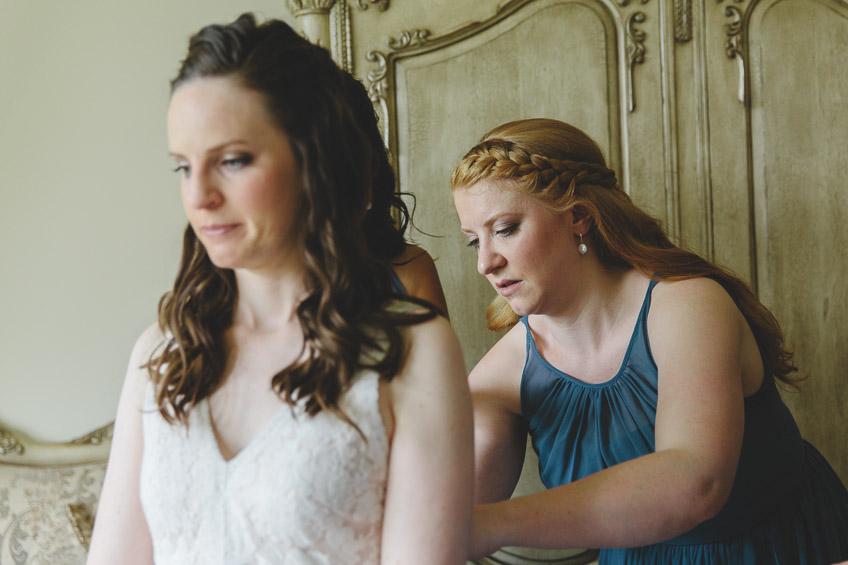 bridesmaid buttoning up dress