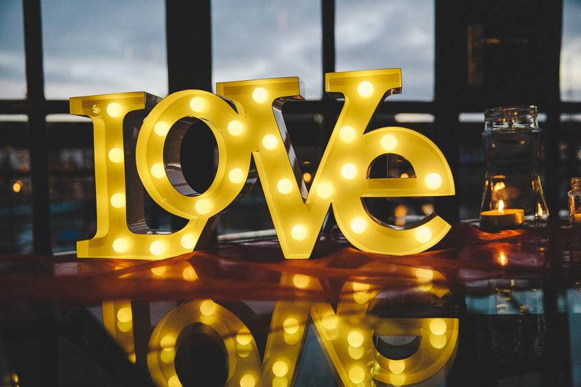 056-bristol-mud-docks-wedding-photographer-AJ.jpg