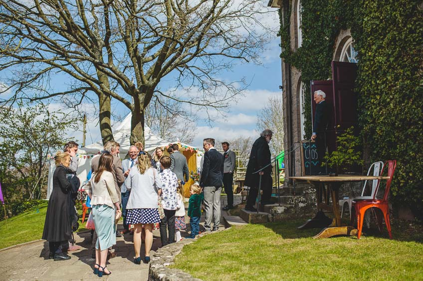 Globe-at-Hay-on-Wye-Wedding